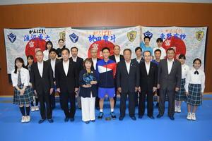 200717双葉郡支援する会桃田選手贈呈1.JPG
